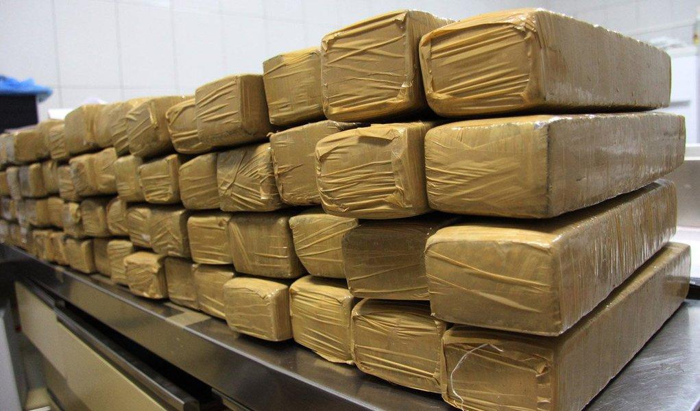 Foram cumpridos, naOperação Escorpião,43 mandados de prisão preventiva e 52 mandados de busca e apreensão em São Paulo, Minas Gerais, Mato Grosso, Mato Grosso do Sul e no Paraná