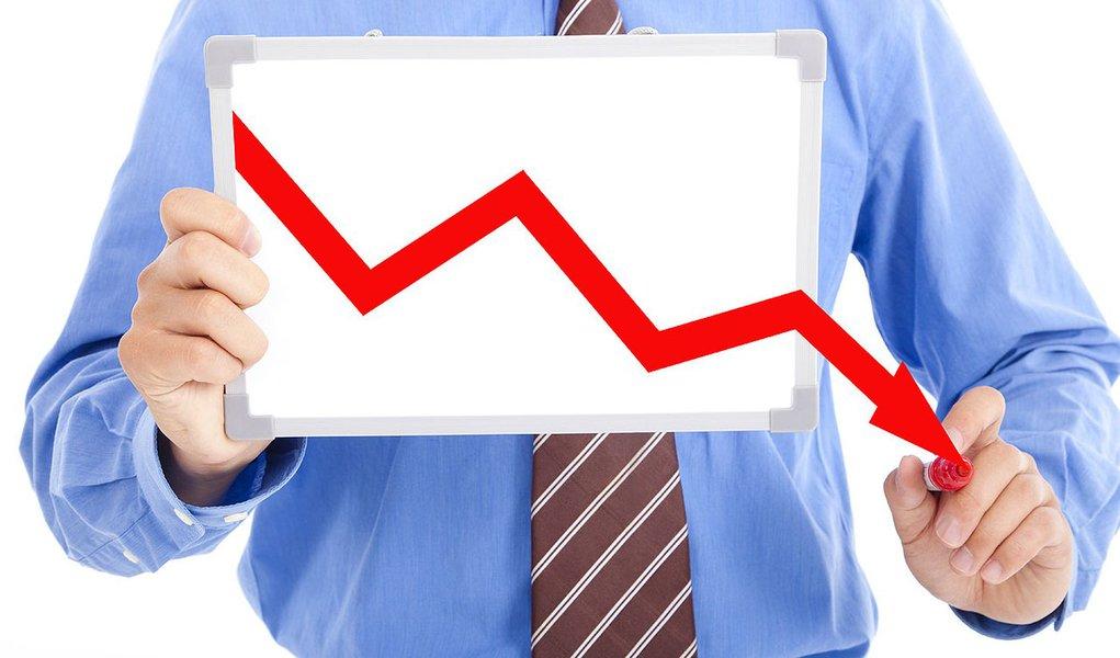 O Índice Geral de Preços-Mercado (IGP-M) caiu 0,13 por cento em maio, ante elevação de 0,78 por cento em abril, informou a Fundação Getulio Vargas; oIGP-M é utilizado como referência para a correção de valores de contratos, como os de energia elétrica e aluguel de imóveis