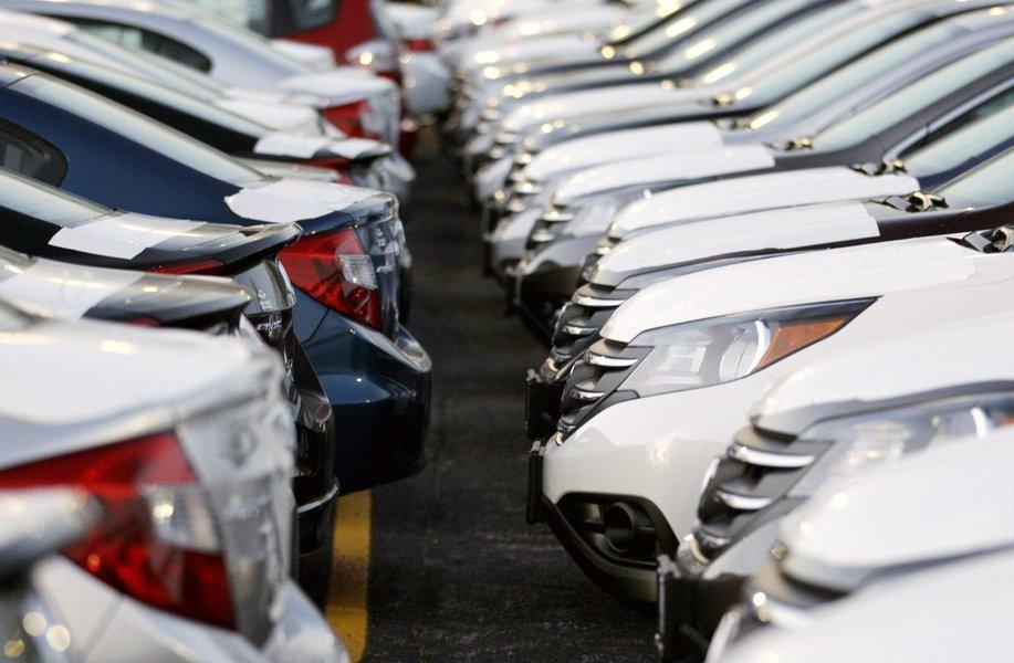 No total, foram vendidos pouco mais de 440 mil veículos em maio, com acumulado de 2,016 milhões em 2014,aponta levantamento da Fenabrave;em relação ao mesmo período do ano passado, no entanto, foi observado recuo de 5,74% na comercialização