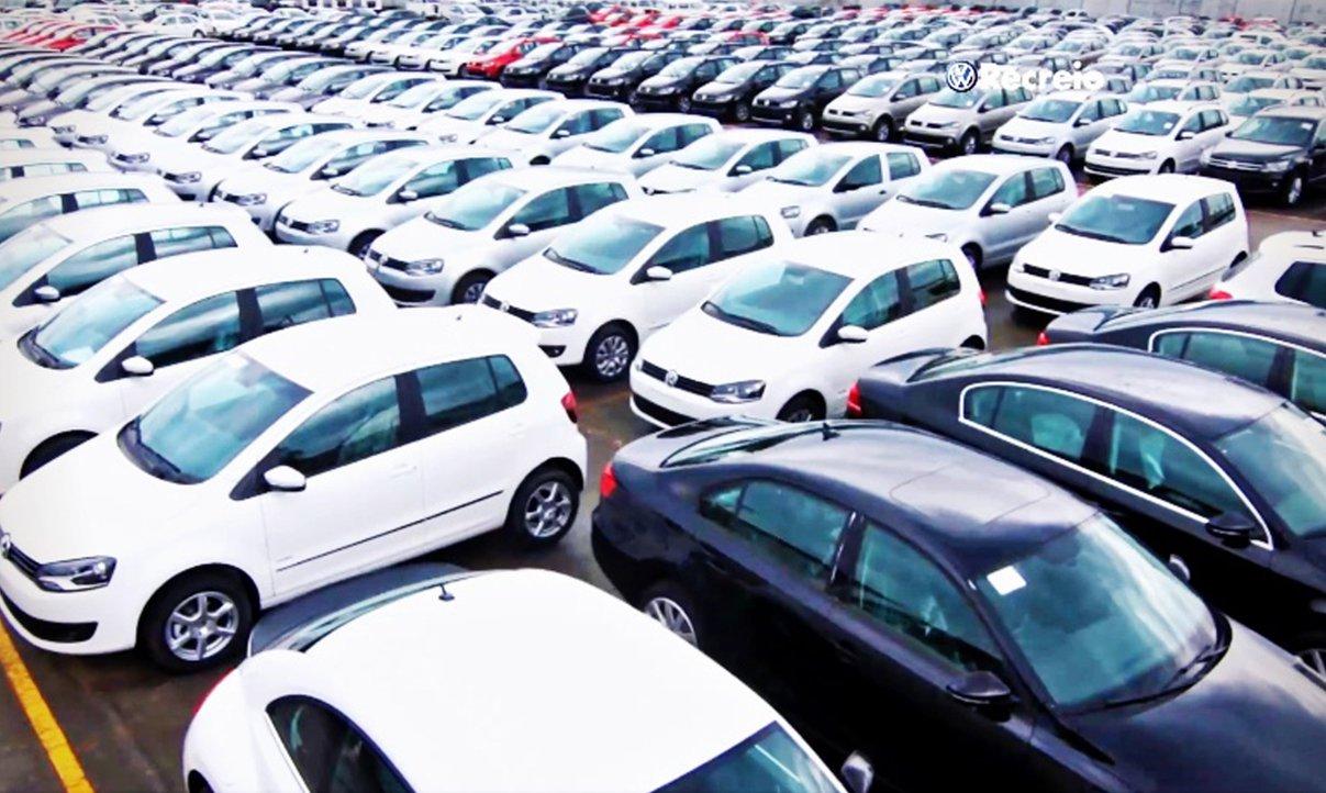 Diário Oficial da União publica hoje decreto que estabelece aumento das alíquotas do Imposto sobre Produtos Industrializados (IPI) dos automóveis;foram anunciados mudanças nas alíquotas de automóveis de IPI que passam a vigorar a partir de 1º de janeiro até 30 de junho do próximo ano, e ainda outro reajuste para o período entre 1º de julho de 2014 a 31 de dezembro de 2017
