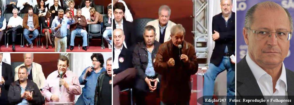 """Ex-presidente Lula destacou a ascensão econômica do Brasil, ao participar do ato que lançou Emídio de Souza, futuro coordenador da campanha de Alexandre Padilha, para a presidência do PT-SP; """"Aqui só tem eleitor teu, Emídio, e desconfio que essa manifestação lá fora também é a teu favor"""", disse o ex-presidente Lula; na verdade, a tropa de choque da Polícia Militar precisou jogar bombas para dispersar manifestantes contrários ao partido; """"Temos de ir para as ruas dizer que a incompetência em São Paulo é do governador Geraldo Alckmin"""", conclamou Emídio; """"Padilha, me deixe ligar para o Alckmin, depois da tua eleição, para dizer: Alckmin, limpe as gavetas!"""", completou; o ministro da Saúde contemporizou: """"Ligue para que ele inicie a montagem da equipe de transição"""""""