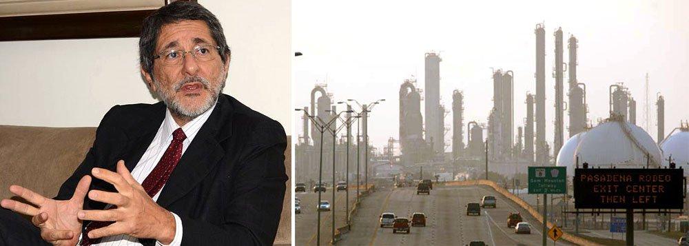 """Ex-presidente da Petrobras diz que a compra da polêmica refinaria foi aprovada por ter sido """"vantajosa""""; entre os """"mitos"""", ele aponta o preço da compra por US$ 42,5 milhões pela Astra e o erro da aquisição no exterior; """"a verdade é que a Astra desembolsou US$ 360 milhões"""", diz ele; """"a decisão atendia ao planejamento estratégico da companhia definido em 1999, no governo FHC, que previa investir em refino no exterior para lucrar com a venda de derivados de petróleo, sobretudo no mercado americano""""; Gabrielli condena ainda o que chama de """"circo de CPI eleitoral""""; em entrevista, ele também afirmou que a presidente Dilma Rousseff """"não pode fugir à sua responsabilidade"""" no caso"""