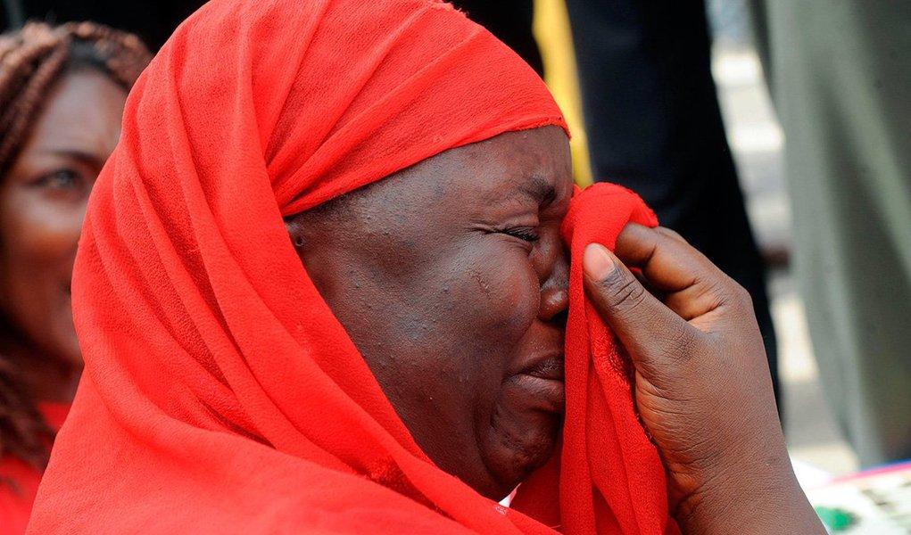 """Boko Haram: duas palavras que têm o mérito de resumir o programa de uma das mais violentas e tresloucadas organizações terroristas que atuam no momento. Este neologismo haússa, a língua mais falada no norte da Nigéria, significa """"o Ocidente é impuro""""."""