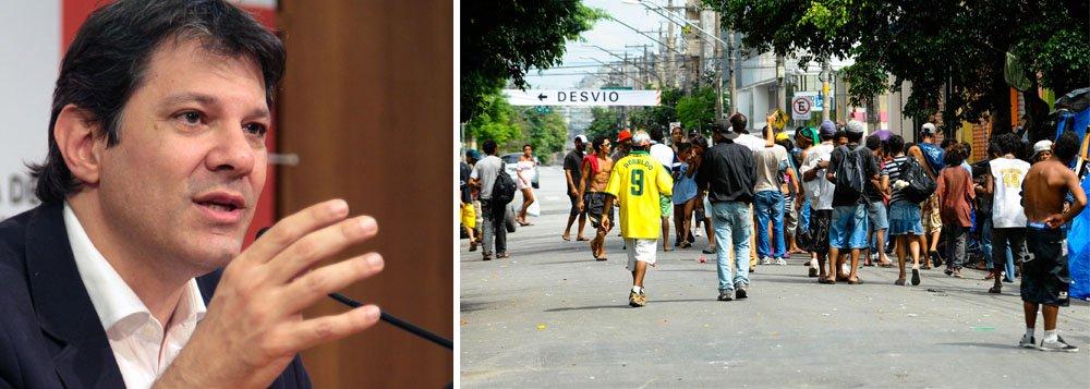 Prefeito de São Paulo anunciou nesta segunda-feira que pretende oferecer emprego a usuários que ficam na região da Cracolândia, no centro da capital; medida é anunciada depois de determinação do governador Geraldo Alckmin (PSDB), em 2012, para que a Polícia Militar tirasse os dependentes químicos do local, sem rumo definido