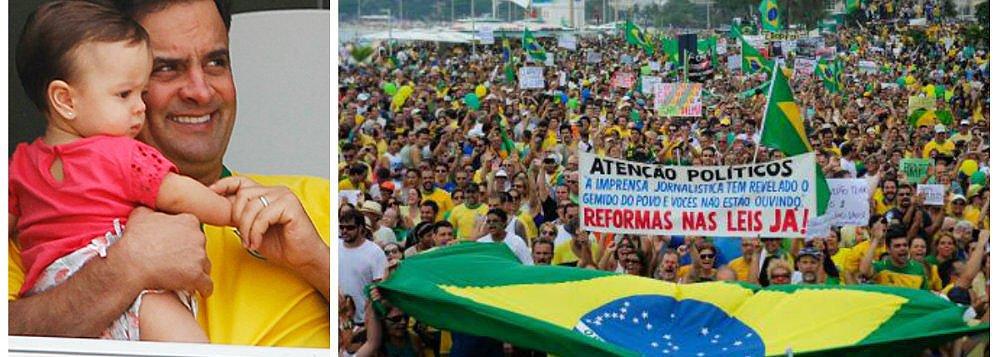 Após aproximação com os movimentos 'Fora, Dilma', cúpula do PSDB se reúne na semana que vem para decidir se o senador Aécio Neves (MG) participará das manifestações marcadas para o dia 12; líder no Senado, Cássio Cunha Lima (PB), disse ser favorável