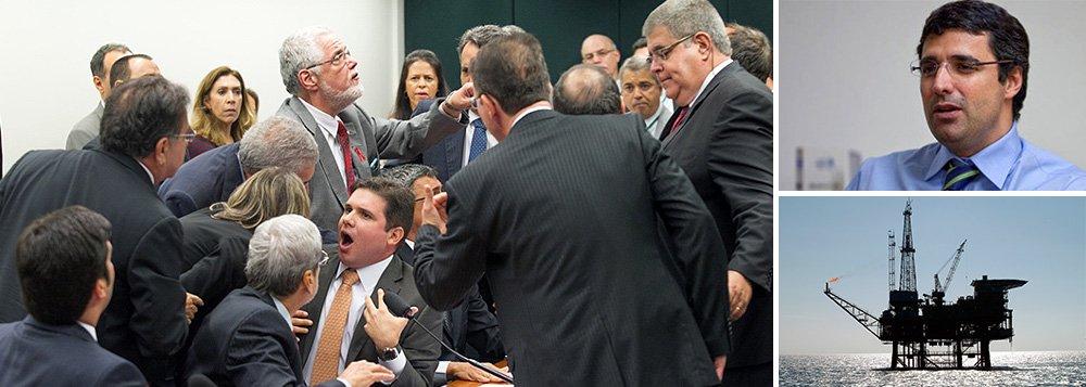 O bilionário André Esteves, dono do BTG Pactual e de uma fortuna de US$ 3,9 bilhões, será um dos personagens principais da CPI da Petrobras; isso porque uma das quatro sub-relatorias terá como foco negócios que o atingem diretamente: a compra de poços de petróleo na África e a Sete Brasil, empresa da qual é o maior acionista; além disso, ele foi citado, no último fim de semana, em denúncia sobre propina relacionada a postos de combustíveis