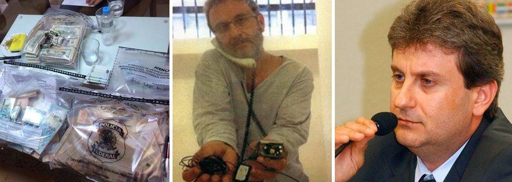 """Polícia Federal do Paraná anunciou que irá investigar a denúncia de que o doleiro Alberto Youssef, preso em março na operação Lava Jato, tenha sido alvo de uma escuta em sua cela, na superintendência da PF em Curitiba (PR); o advogado de Youssef enviou à PF uma foto dele preso com o que parece ser uma escuta nas mãos epediu sua transferência para o presídio federal de Catanduvas, também no Paraná; em nota, a PF informou que odispositivo """"passará por perícia"""", mas esclareceu que """"não faz escutas clandestinas"""""""