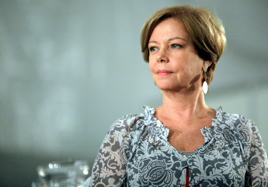 """Colunista Eliane Cantanhêde, que até outro dia enxergava a presidente Dilma Rousseff quase reeleita, mudou de opinião; """"Aécio tem condições de atrair em torno de 60% dos eleitores de Marina e também dos simpatizantes do PMDB, que apoia oficialmente Dilma"""", diz ela; tropa tucana já se mobiliza para o segundo turno"""