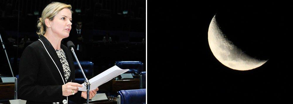 """Ex-ministra-chefe da Casa Civil, Gleisi Hoffmann (PT-PR), que vai concorrer ao governo do Paraná, agora só apresenta projetos de lei no Senado em períodos de lua crescente: """"Se influencia as marés, também pode influenciar a política"""""""