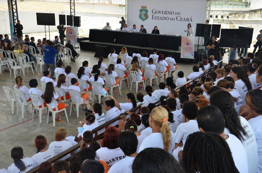 Numa iniciativa da Secretaria de Justiça do Estado, em parceria com Sebrae Ceará e Senac Ceará, 32 internas do Instituto Presídio Feminino receberam hoje o certificado de conclusão do Projeto Querer, de capacitação profissional e empreendedorismo