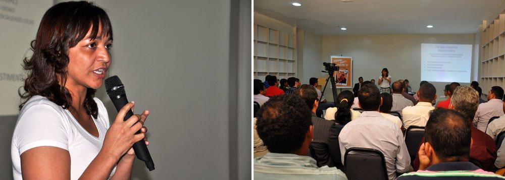 """No encontro com pré-candidatos às eleições de outubro a deputada estadual e pré-candidata ao governo estadual Eliziane Gama apresentou as propostas de diretrizes para o Plano de Governo do PPS; ela esclareceu que a construção das propostas foi realizada a partir da contribuição dos membros da Rede de Sustentabilidade e das visitas às regiões do Maranhão atravésdas atividades do """"ProgramaPé na Estrada"""" do PPS, que tem como objetivo fortalecer o projeto majoritário do partido no estado"""