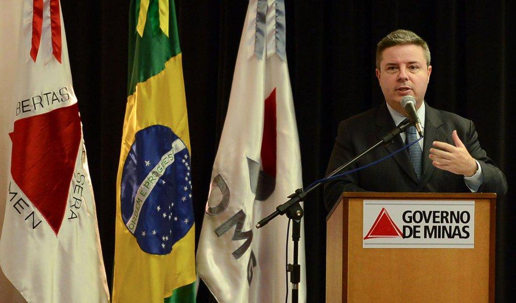 Os recursos serão aplicadas em obras de pavimentação e saneamento básico; omontante a ser investido é oriundo de operações de crédito contratadas pelo Estado junto ao Banco do Brasil e ao Banco Nacional de Desenvolvimento Econômico e Social