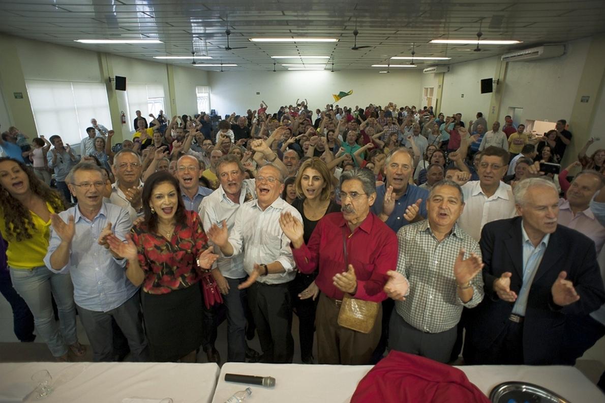 2014.04.12 - Porto Alegre/RS/Brasil - Governador Tarso Genro é aclamado candidato à reeleição para o governo do Estado. Foto: Ramiro Furquim/Sul21.com.br