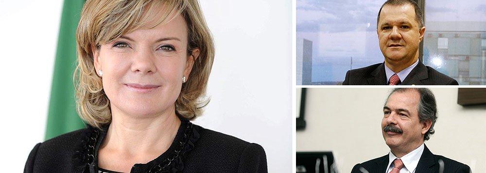 Prestes a deixar o governo federal para ser candidata no Paraná, a ministra Gleisi Hoffmann, teve longo encontro com Carlos Gabas, que é seu preferido para sucedê-la; o outro candidato é o ministro da Educação, Aloizio Mercadante?