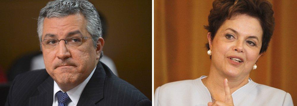 Com apenas 3% de intenções de voto na última pesquisa Datafolha, o ex-ministro da Saúde perdeu o apoio do PDT, potencial aliado, para o PMDB de Paulo Skaf; também não conseguiu agregar o PR em sua chapa; segundo o jornalista Ilimar Franco, a avaliação do comando da campanha de Dilma é que Padilha está fragilizado eleitoralmente neste momento, o que pode afetar o desempenho de Dilma em São Paulo, maior colégio eleitoral do país; enquanto isso, Aécio Neves (PSDB) e Eduardo Campos (PSB) trabalharam para entrar no estado
