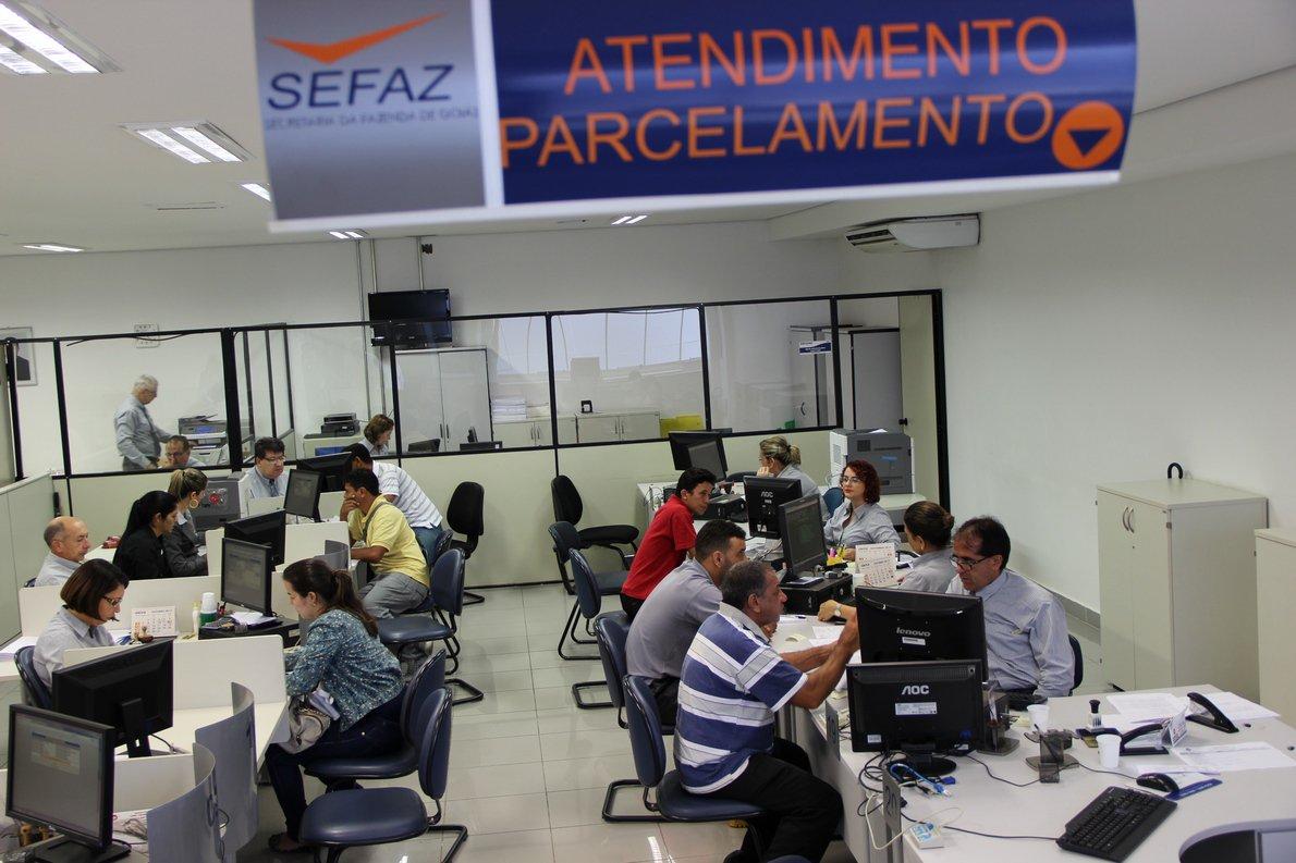 De acordo como secretário da Fazenda, José Taveira, o programa Recuperar renegociou R$ 623 milhões em dívidas, dos quais R$ 358 milhões foram pagos à vista até o dia 20 de dezembro de 2013; o Recuperar ofereceu descontos em juros e multas para pagamento de dívidas de ICMS, IPVA e ITCD;Mais de 82 mil contribuintes aderiram ao programa; a maioria, 58 mil, pagou IPVA atrasado