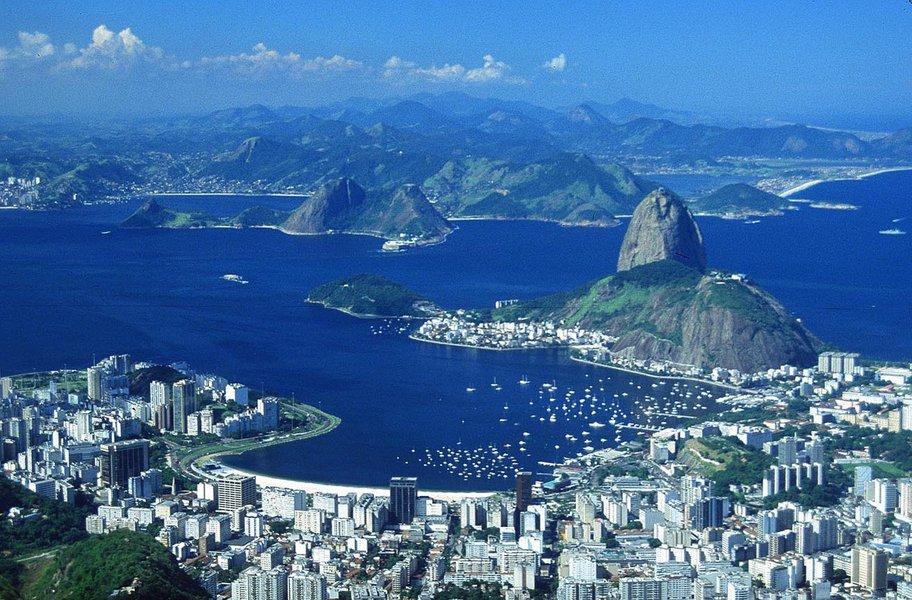 A ocupação da rede hoteleira no Rio de Janeiro, durante o feriado de Semana Santa, deve ultrapassar 55%, em média, segundo a Associação de Hotéis do Rio (ABIH-RJ), de hoje (2) até domingo (5); os hotéis de Ipanema e Leblon estão com taxa de ocupação correspondente 78,99% de vagas reservadas e os hotéis de Copacabana e Leme, no nível de 76,11%