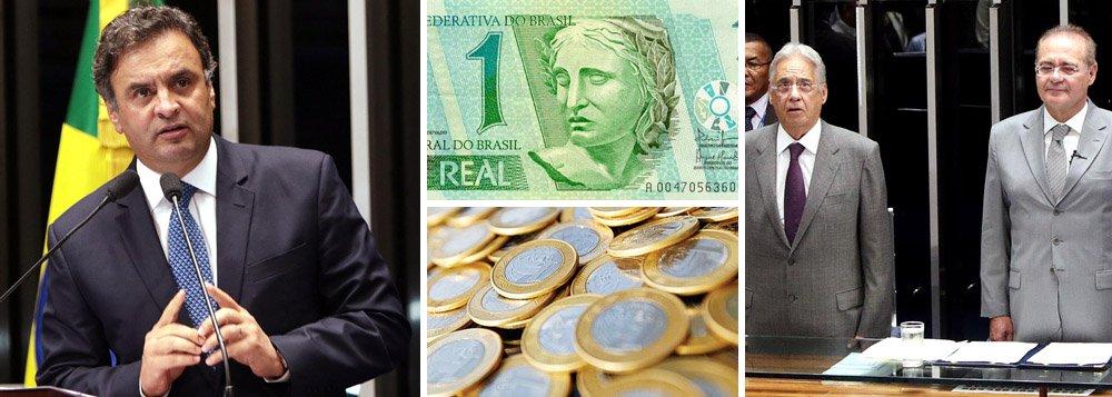 """Em sessão solene no Senado pelos 20 anos de implantação do Plano Real – moeda que entrou em circulação em 1º de julho de 1994 --, presidenciável do PSDB afirma que """"12 anos de governo do PT levaram Brasil à desesperança""""; diante do ex-presidente Fernando Henrique, Aécio Neves lembrou que, naquele ano, com eleições presidenciais, """"pescadores de águas turvas chamaram o plano de 'estelionato eleitoral'"""", em referência ao então candidato Lula; """"o sucesso do País não interessava aos nossos adversários""""; campanha tucana ganha eixo econômico; senador mineiro pediu """"juros do BNDES para toda a economia, e não apenas para os escolhidos""""; dentro do Senado, foi aplaudido de pé; confira discurso na íntegra"""