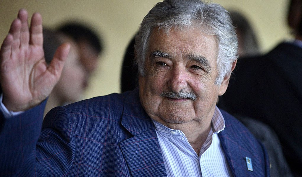 Agenda do presidente do Uruguai, José Pepe Mujica, no Estado envolverá uma série de encontros relativos às ações de cooperação entre o Rio Grande do Sul e o país vizinho, além da participação em um seminário acadêmico; nos dois eventos em que estão previstos pronunciamentos do presidente, haverá transmissão ao vivo pela internet