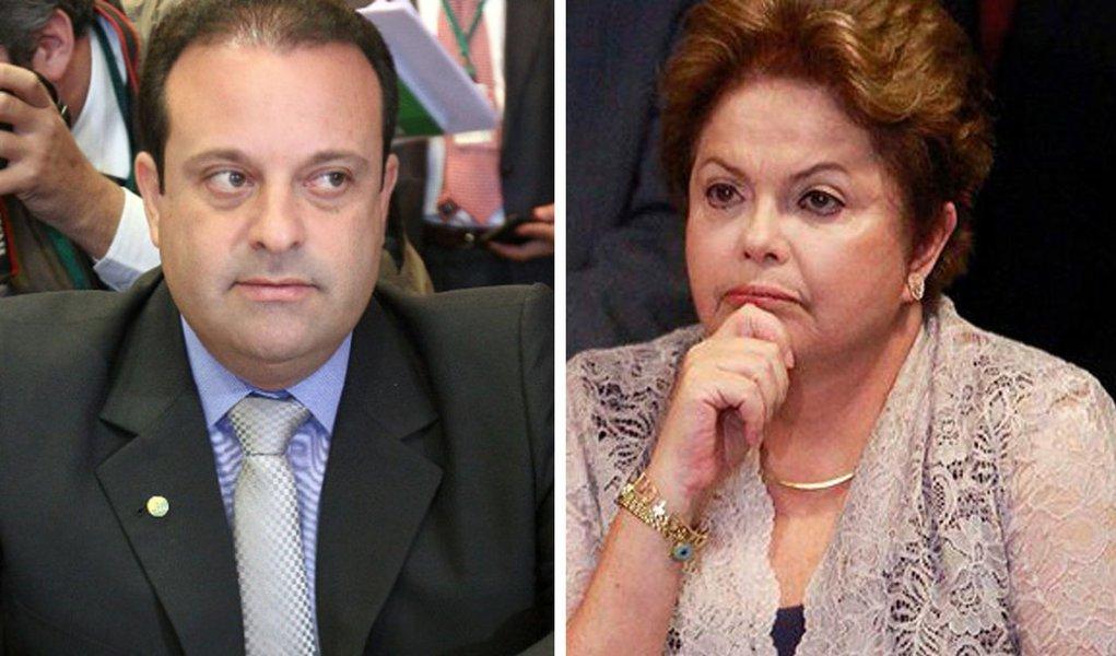 """Partido que havia anunciado, via redes sociais, mais cedo que iria aderir à oposição, após votar contra o governo na criação da comissão de investigação da Petrobras, mudou de ideia e, no início da noite desta quarta-feira (12), informou que votará projetos na Câmara de maneira """"independente""""; """"Vamos dizer 'sim' quando entendermos que for melhor e 'não' quando acharmos que não será melhor. Não estamos rompendo nem aderindo à oposição"""", afirmou o líder do partido, André Moura"""
