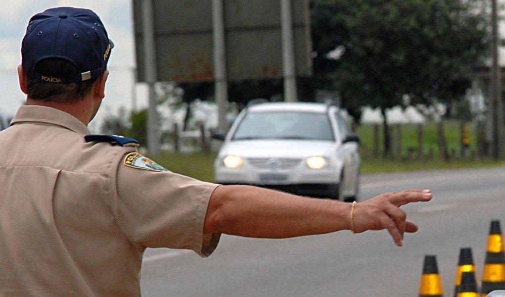 Durante as festas de final de ano foram registrados 6.651 acidentes nas rodovias federais brasileiras e 380 mortes; Em 2012, foram 7.407 acidentes e 420 mortes