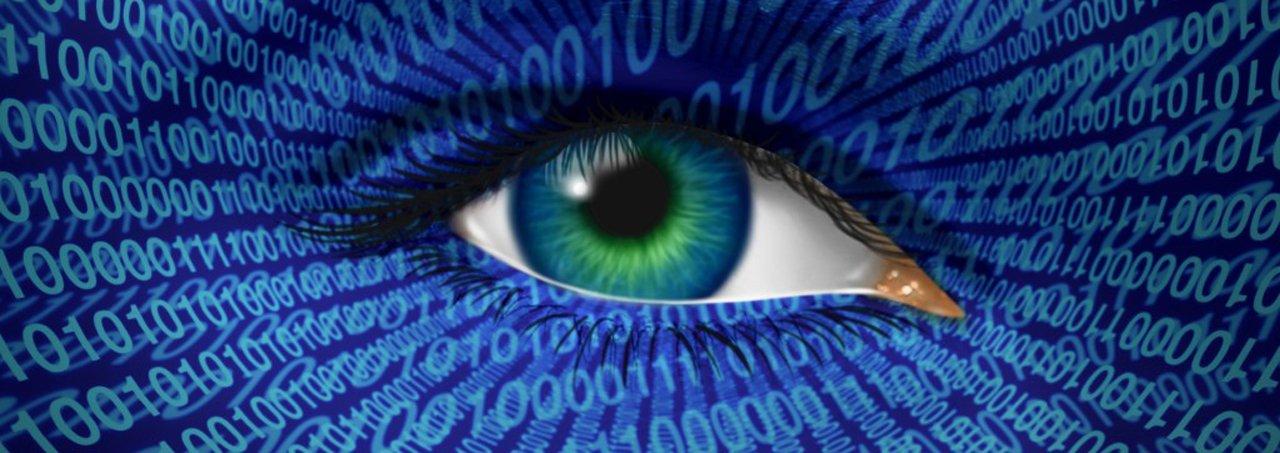 Todo usuário internacional da Internet está sendo vigiado, diz Mikko Hypponen, especialista finlandês de segurança digital. Neste importante discurso pronunciado no TED ele faz um apelo: É preciso encontrar soluções alternativas ao uso hoje quase exclusivo de empresas norte-americanas para as necessidades mundiais de informação