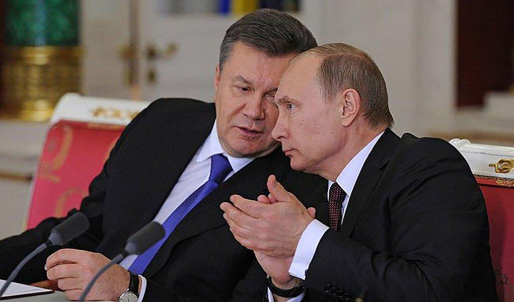 Viktor Yanukovich insiste que ainda é o legítimo chefe de Estado da Ucrânia; governo interino do país pediu ajuda ocidental nesta terça-feira para impedir a anexação da Crimeia pela Rússia, de Vladimir Putin, mas a península do Mar Negro, ocupada por tropas russas, parece determinada a levar adiante uma trajetória que poderá formalizar o controle russo dentro de alguns dias