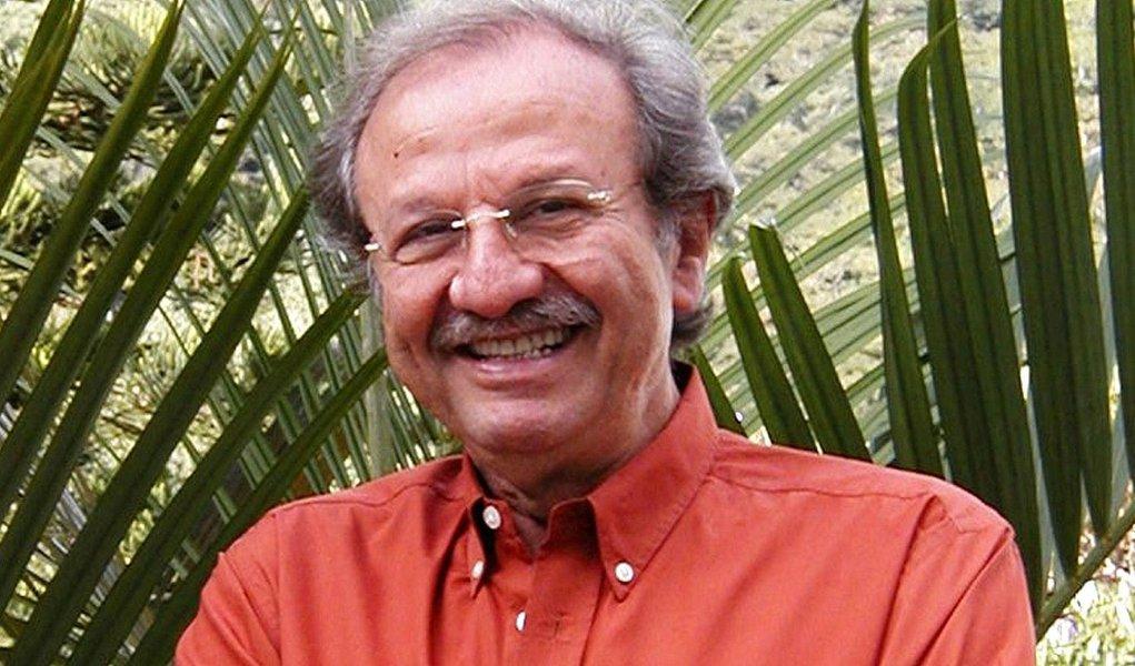 Aos 73 anos, o matemático Jacob Palis, presidente da Academia Brasileira de Ciências, foi eleito para a instituição homóloga da China, juntamente com oito cientistas de cinco países; ele é o primeiro brasileiro a integrar o organismo