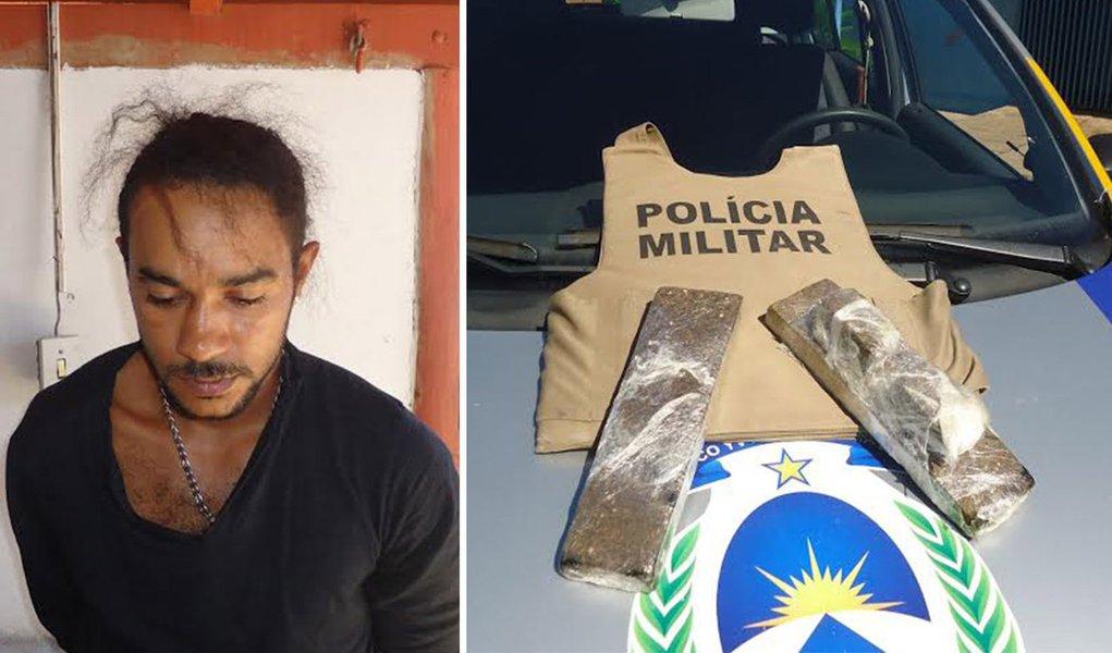 Wenderson Gomes da Silva, 27 anos, acusado de tráfico de drogas, foi preso quando conduzia uma moto na área urbana de Araguaçu; quando os policiais realizaram a abordagem, encontraram o produto entorpecente e a quantia de R$ 85; diante do flagrante, o infrator juntamente com a droga, o veículo e o dinheiro foram conduzidos à Delegacia de Polícia