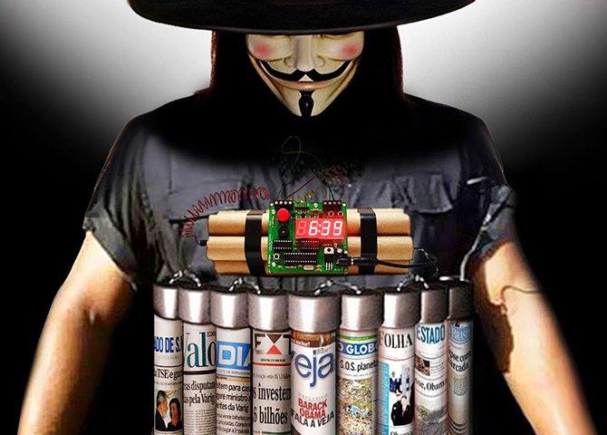 A grande mídia mantém o massacre ao governo, o Judiciário ficando a cada dia mais politizado, e o cinismo de figuras carimbadas, acusando adversários de corrupção