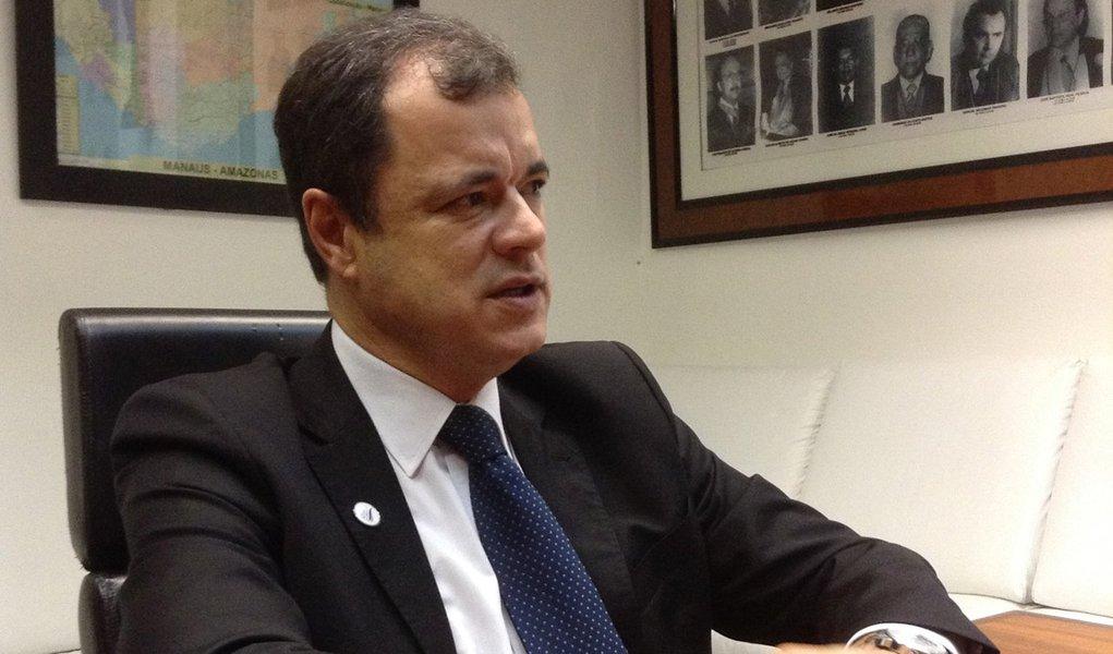 """""""Quando uma empresa financia campanha política, acaba sendo beneficiada por isenções fiscais, o que significa que quem está pagando o financiamento é a população, com dinheiro público"""", afirmou o juizJoão Ricardo Costa, que toma posse na noite desta terça-feira na presidência da Associação dos Magistrados Brasileiros"""