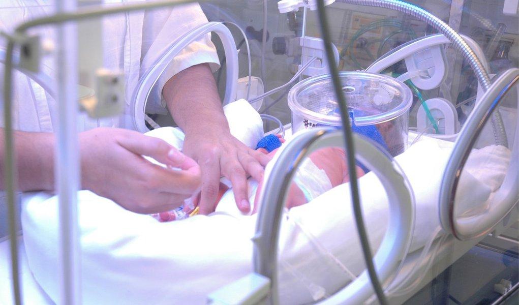 Em 2013, a taxa de mortalidade infantil ficou em 15 para cada mil nascidos vivos; em 2003, esse número era de 29,7, uma redução de 49,5%