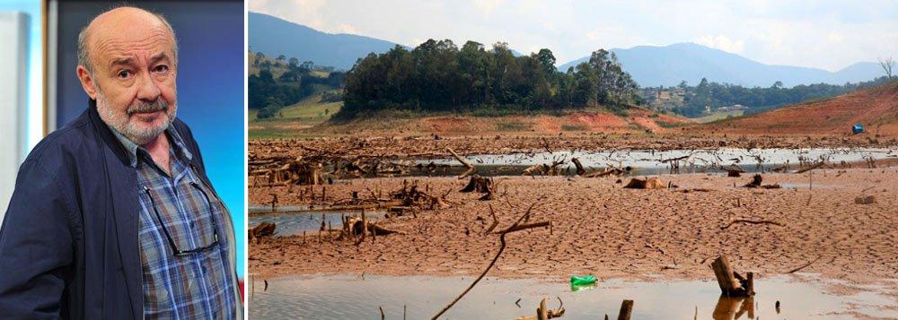 """""""A cada dia são mais assustadoras as imagens das represas secando, mas todo mundo finge que não vê o que está acontecendo, a começar pelo governador Geraldo Alckmin, que agora admite o racionamento, mas não já"""", alerta o blogueiro; ontem, a Sabesp garantiu abastecimento em São Paulo, sem necessidade de rodízio, até o final do ano"""
