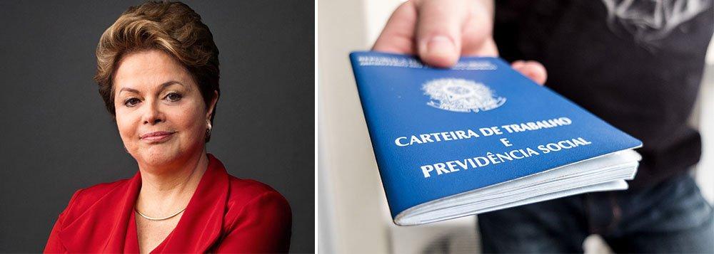 A presidente Dilma Rousseff definiu o valor de R$ 788 para o salário mínimo a partir de janeiro de 2015 em decreto publicado no Diário Oficial da União desta terça-feira; com isso, o aumento é de 8,83% em relação ao piso atual de R$ 724, numa sinalização de que a política de valorização real do salário mínimo será mantida no segundo mandato; inflação oficial de 2014, medida pelo IPCA, ainda não foi divulgada, mas deve fechar o ano em 6,5%