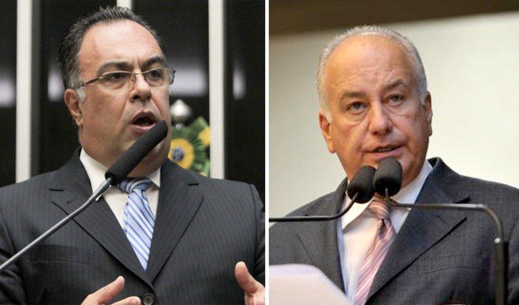 O deputado federal André Vargas (ex-PT) e o deputado estadual Luiz Eduardo Cheida (PMDB), ambos de Londrina, não poderão disputar as eleições de outubro; são duas lideranças importantes na região norte do Paraná que deixam um grande espólio de votos em aberto, que estará em disputa no pleito que se aproxima