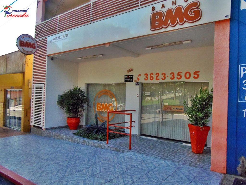 O banco BMG liderou, novamente, o ranking de queixas entre bancos com mais de 2 milhões de clientes, de acordo com o Ranking de Reclamações do mês de outubro, divulgado pelo Banco Central (BC); com 146 reclamações julgadas procedentes, o banco obteve índice de 65,75%; em segundo lugar entre os mais reclamados ficou o HSBC, com 122 queixas e índice de 12,17%