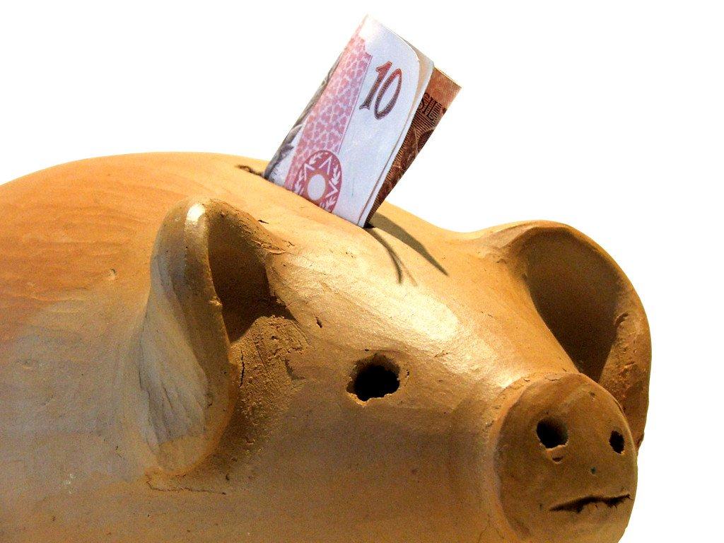 Depósitos de dinheiro da caderneta de poupança superaram as retiradas em R$ 518 milhões em agosto, segundo dados divulgados nesta quinta-feira pelo Banco Central. Trata-se do pior resultado desde agosto de 2006