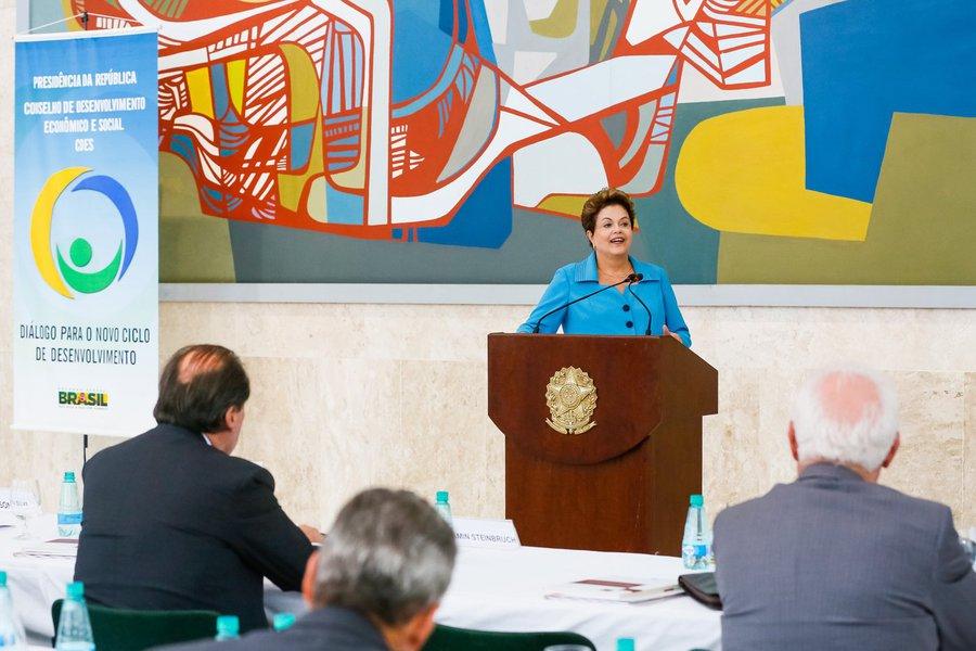 """""""Estamos propondo uma definição de 3 milhões. Se for a mesma ampliação do período de 2011 a 2014, vamos chegar em torno de 4 milhões, o que daria 1 milhão de moradias por ano"""", disse a presidente Dilma Rousseff, que participou nesta quinta-feirade reunião do Conselho de Desenvolvimento Econômico e Social"""