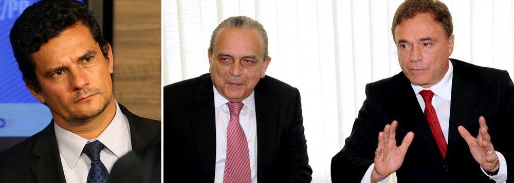 """Ontem, depois que o juiz Sergio Moro decretou mais uma prisão preventiva do operador Fernando Baiano, em razão de novas provas que surgiram sobre o pagamento de R$ 10 milhões ao ex-presidente do PSDB Sergio Guerra, para que uma CPI da Petrobras fosse encerrada, cresceu a pressão sobre o senador Alvaro Dias (PSDB-PR); o motivo: Dias, além de autor do requerimento da CPI, foi quem a enterrou em 2009, numa coletiva com Sergio Guerra; ao 247, ele negou ter fechado a CPI por dinheiro: """"A maioria governista impedia as investigações"""", disse; recentemente, ele postou no Facebook um cartaz com os dizeres 'Je suis Sergio Moro'; para o jornalista Fernando Brito, editor do Tijolaço, Moro teria provas contra um tucano morto e um """"que se finge de morto"""", numa referência a Dias"""