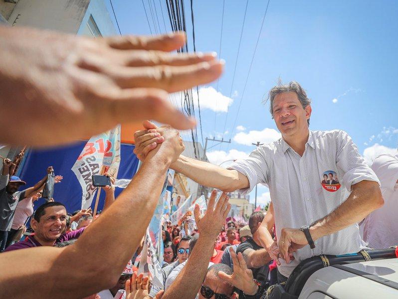 Em editorial, jornal destaca ascensão de Fernando Haddad