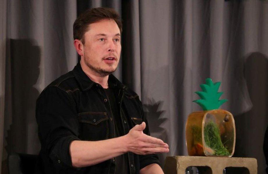 Musk admite problemas de frenagem em Model 3 da Tesla e promete correção