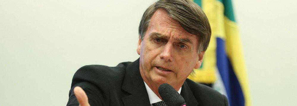 Bolsonaro é golpismo brutal, a falta de pão e paz; a ausência de civilização e inteligência