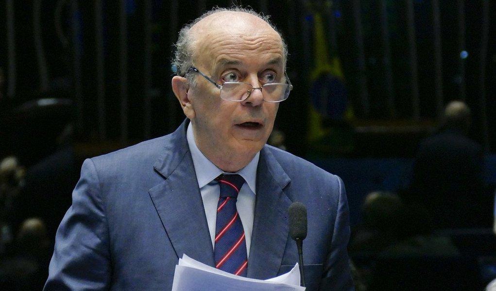 Serra instruiu diplomatas a mentir sobre golpe contra Dilma