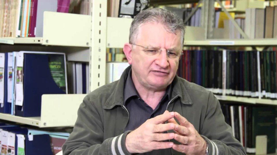'Temos uma eleição tutelada por um esquema judicial-militar', diz Fornazieri