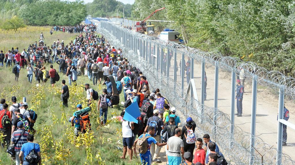Conselho da Europa critica Hungria por expulsar migrantes