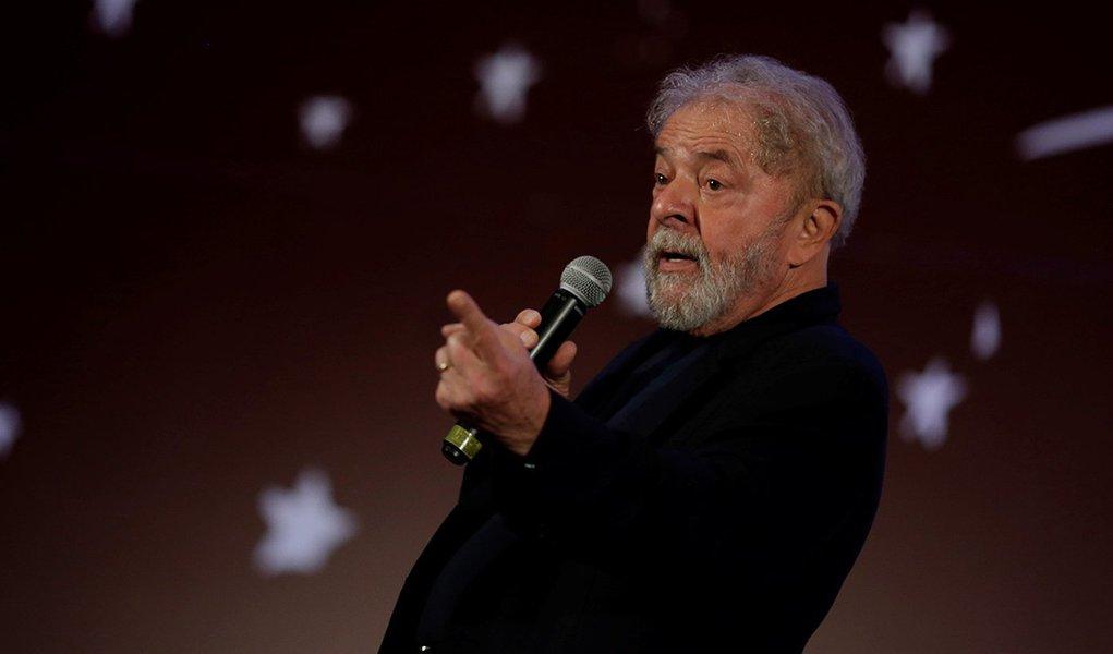 Terceiro debate: vodu do Lula ou bandeira do PT queimada?