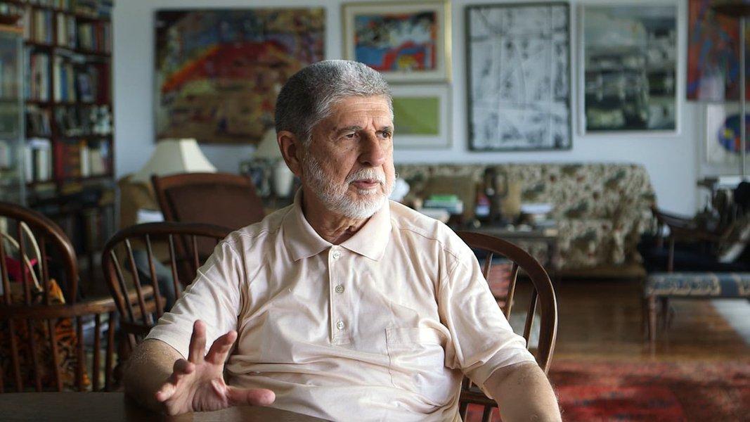 """Celso Amorim: """"Estamos sofrendo intervenção também na economia"""""""