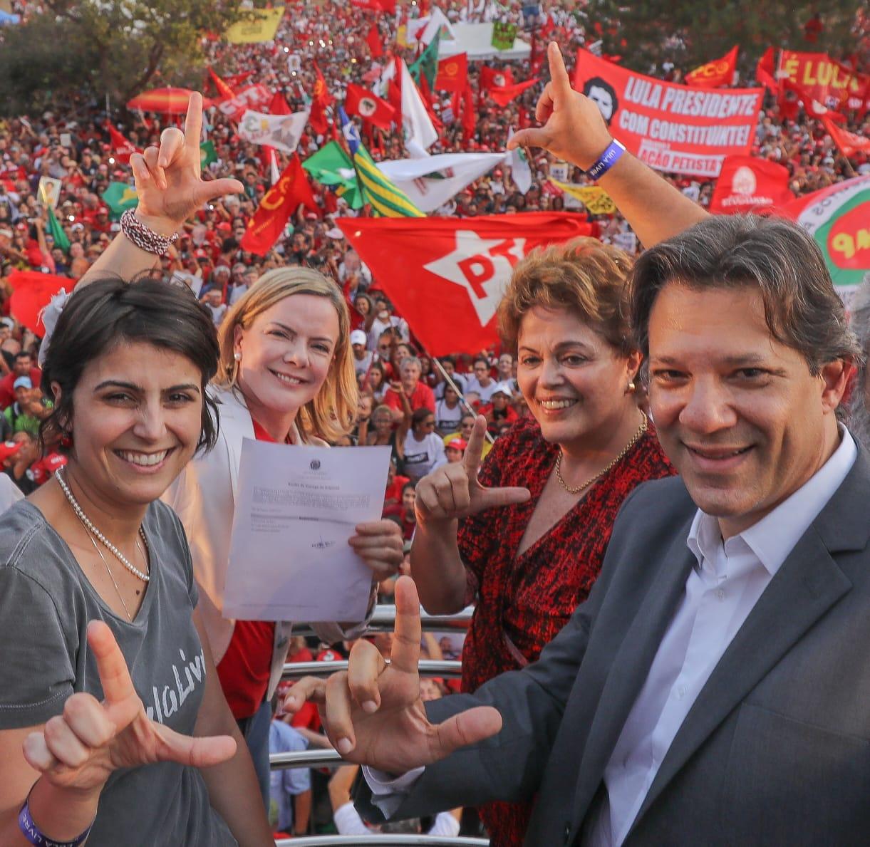 Até os jornais da oligarquia admitem vitória de Haddad
