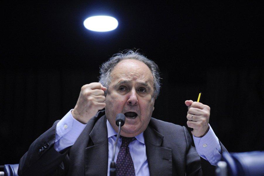 Aliado do Golpe contra Dilma, Cristovam Buarque pode ficar fora do Senado