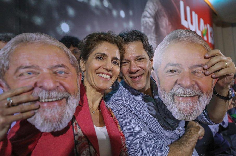 'Não pretendo morrer nem renunciar', diz Lula em carta, que será lida por Haddad